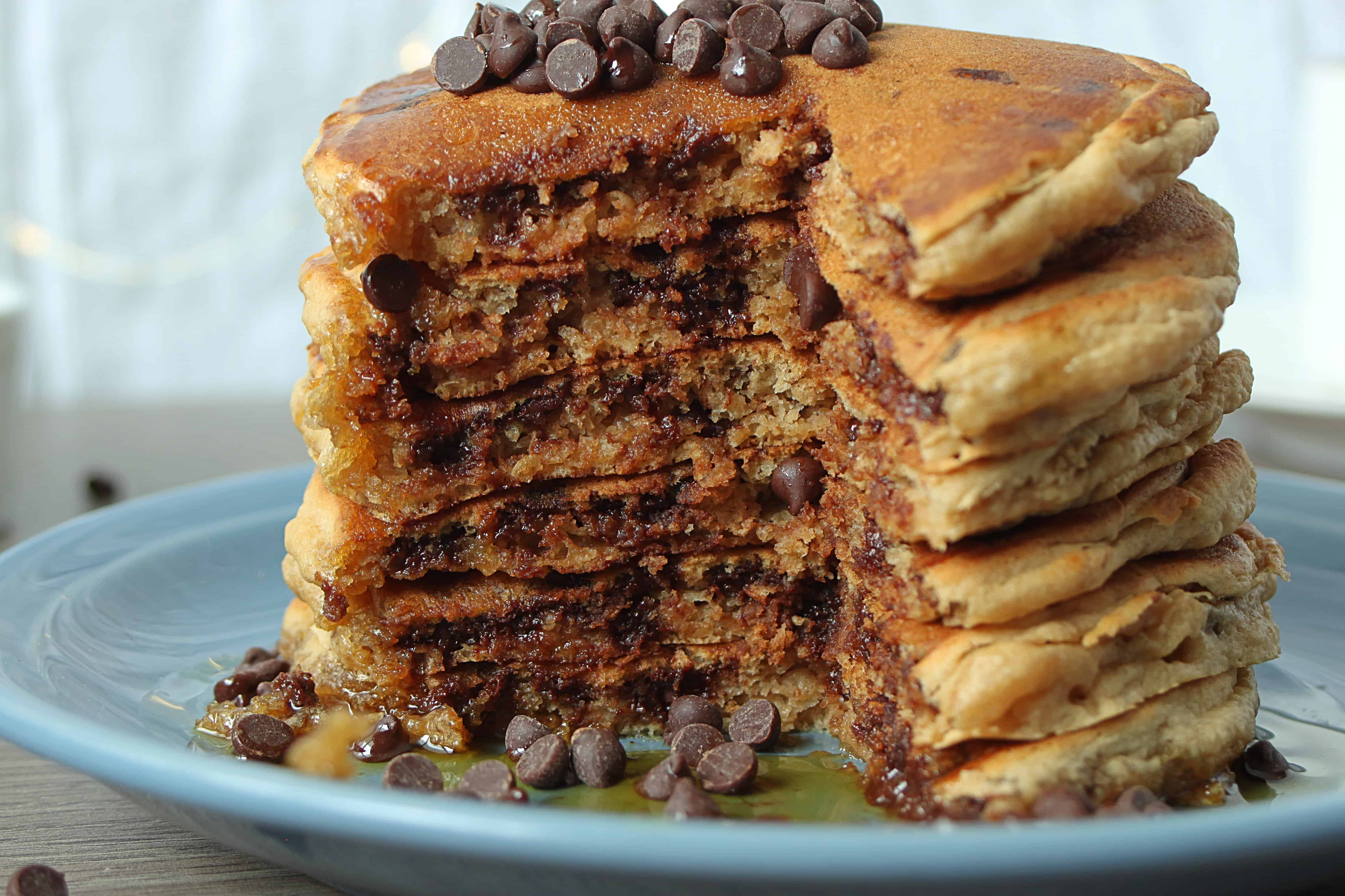 vegan-chocolate-chip-pancakes