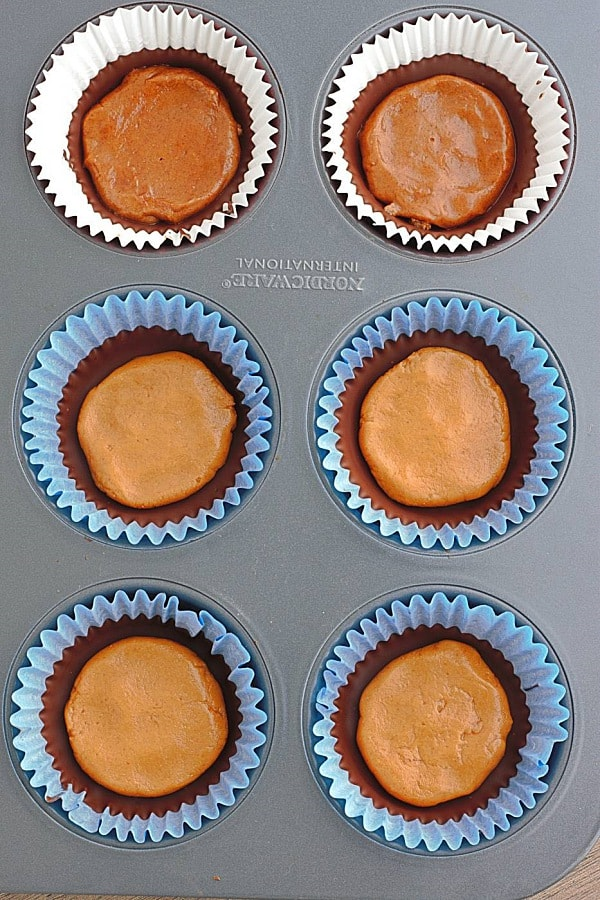 chocolate-almond-butter-cups-making