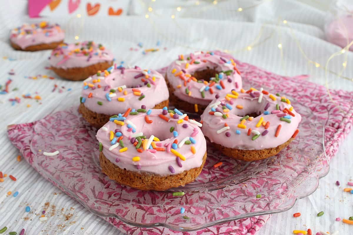 vegan-baked-donuts-scene