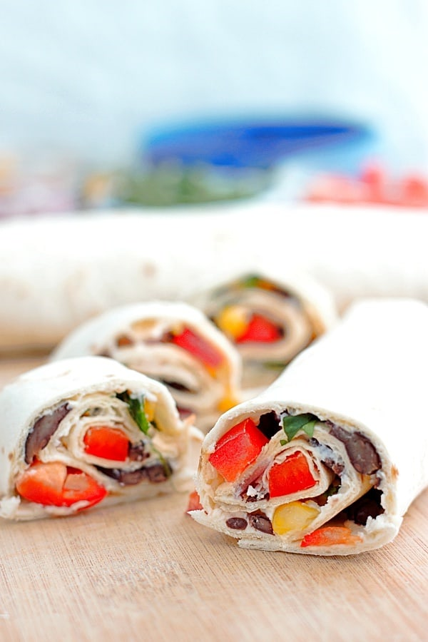 veggie-tortilla-roll-ups-slice