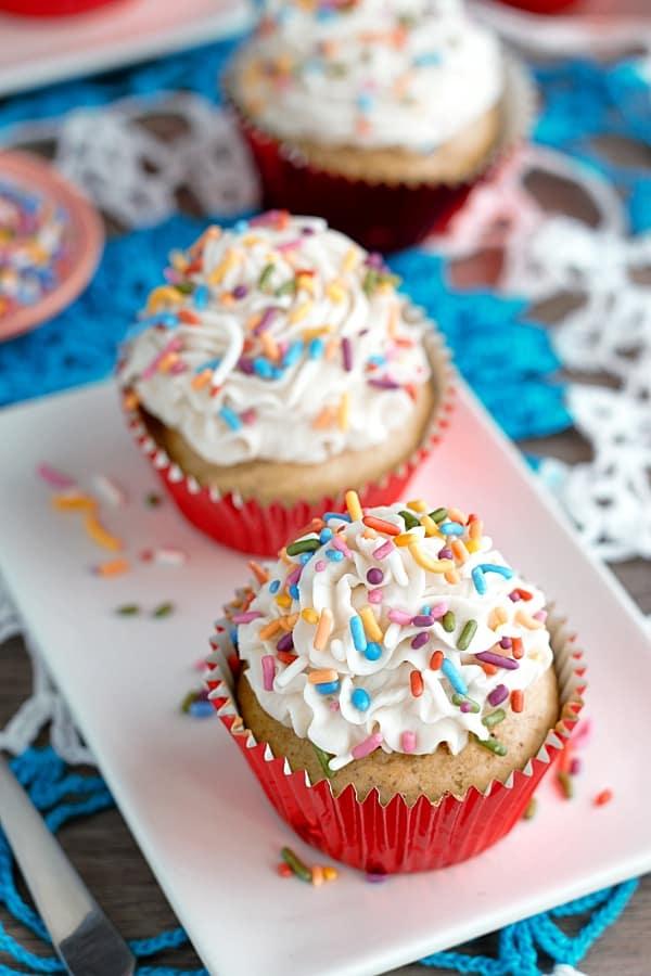 vegan-vanilla-cupcake-sprinkles
