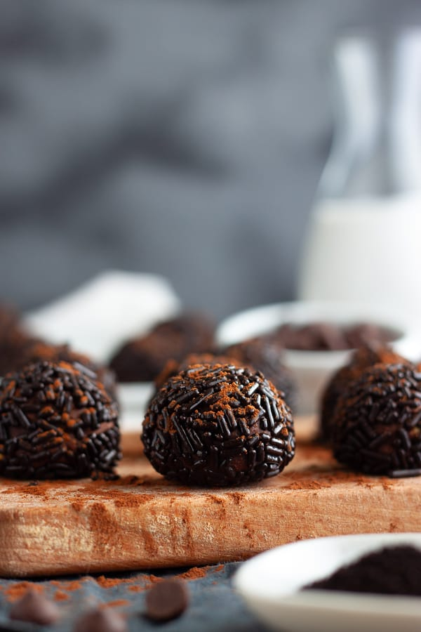 Simple Vegan Truffles