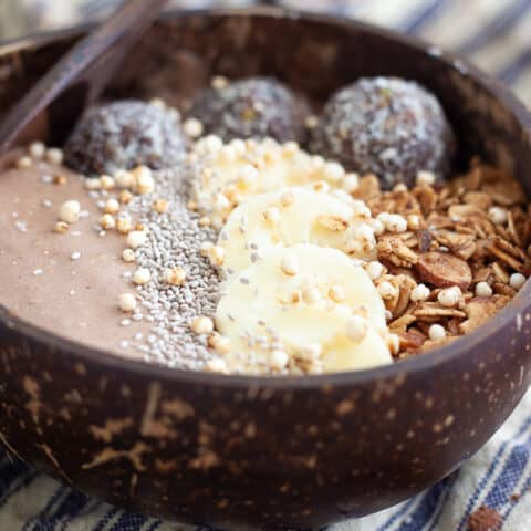 Vegan Chocolate Smoothie Bowl Recipe