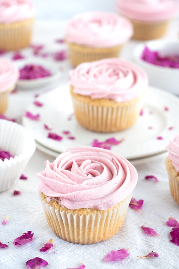 Rose Cupcakes with Buttercream Frosting
