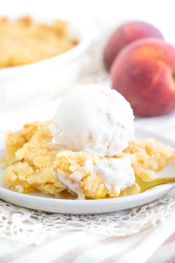 Easy Vegan Peach Cobbler Recipe