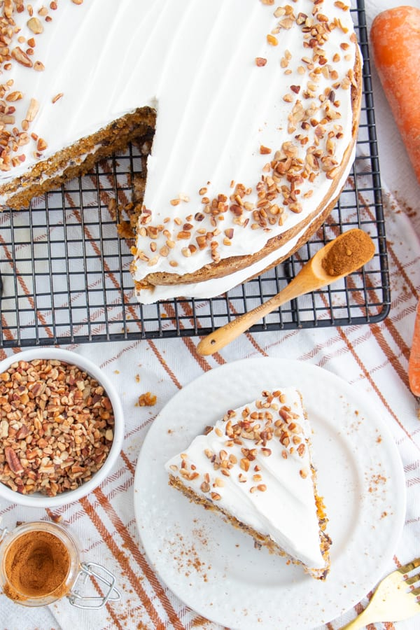 Easy Vegan Carrot Cake