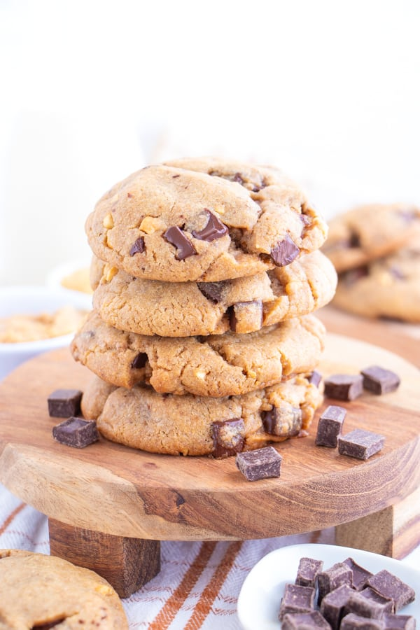 Vegan Chocolate Peanut Cookies