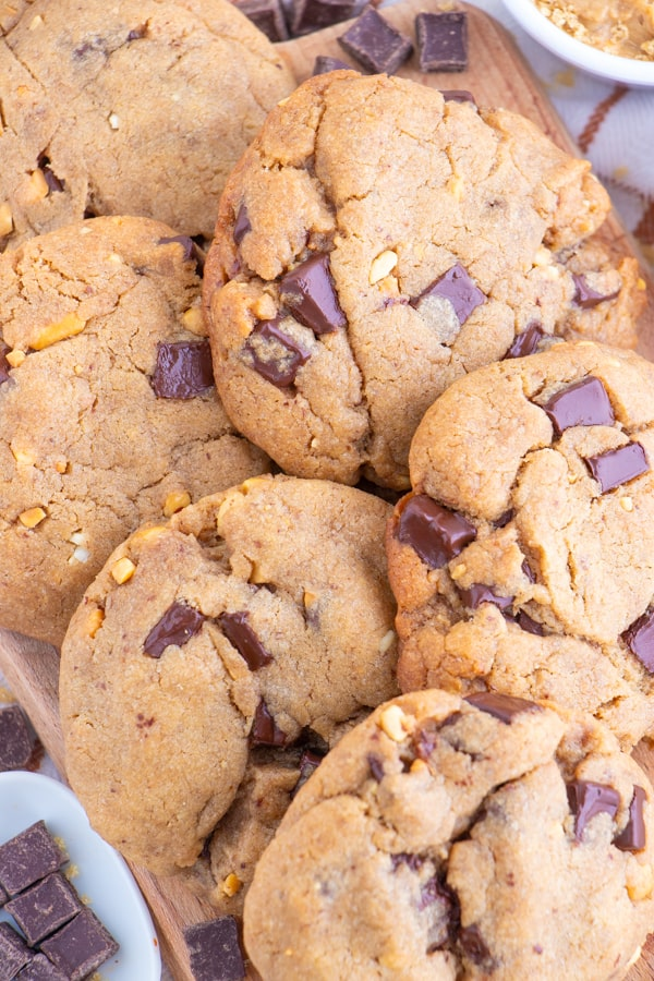 Peanut Butter Chocolate Chip Vegan Cookies