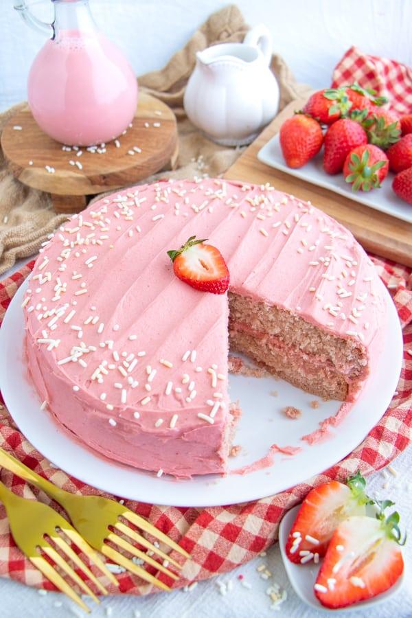 Vegan Strawberry Sponge Cake