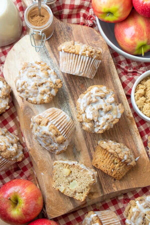 Vegan Apple Crumble Muffins